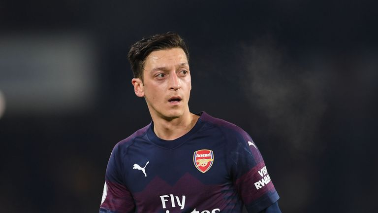 Mesut Ozil could be fit for Arsenal clash with Fulham