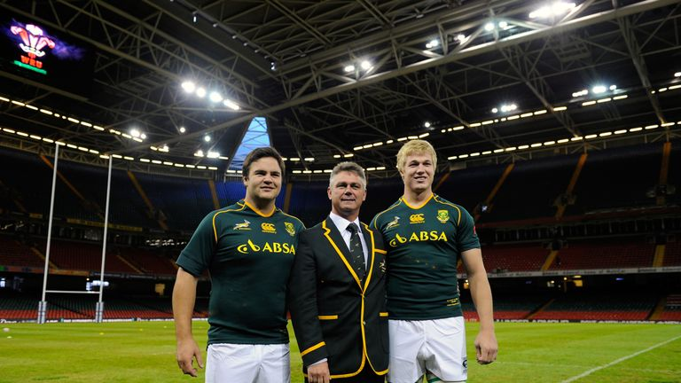 Ahead of their international debuts in Cardiff, Pieter-Steph du Toit (r) and Frans Malherbe (l) pose with then-Springbok coach Heyneke Meyer