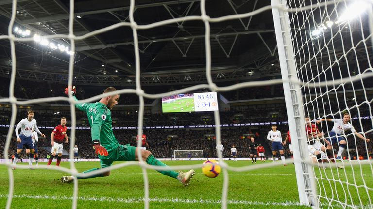 De Gea used a lateral split to deny Harry Kane during the game at Wembley