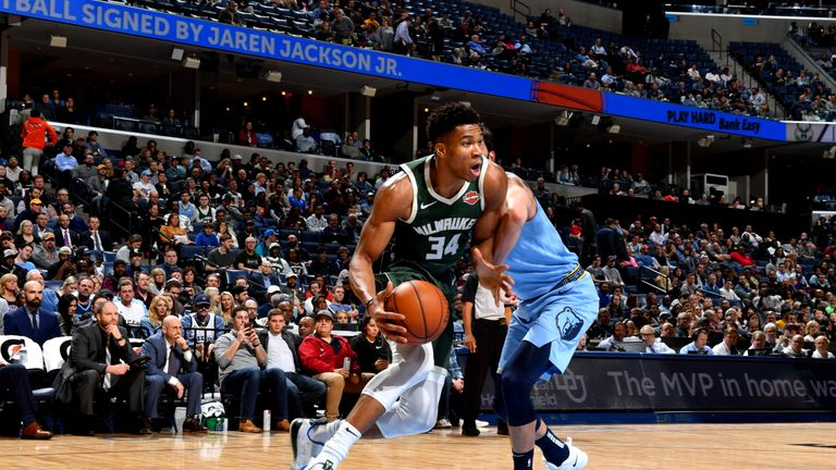 Giannis Antetokounmpo #34 of the Milwaukee Bucks handles the ball against the Memphis Grizzlies on January 16, 2019 at the FedExForum in Memphis, Tennessee