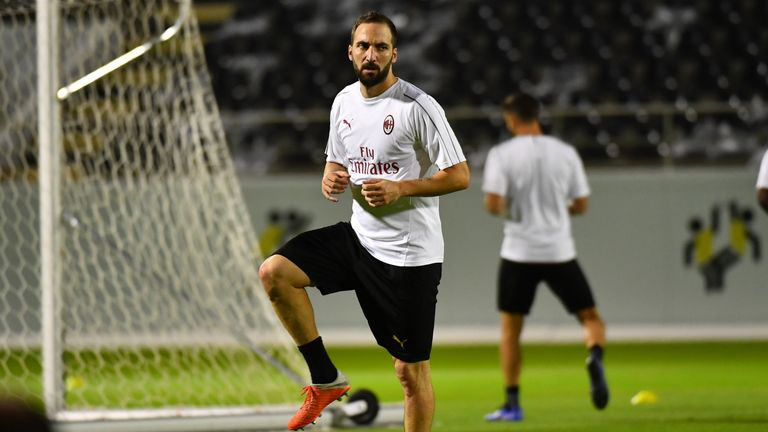 Gonzalo Higuain's loan move to Chelsea appears to be a step closer
