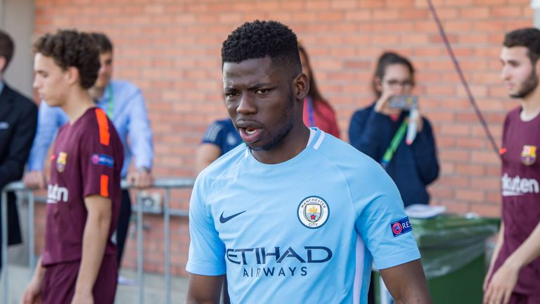 Rabbi Matondo: Schalke enquire about Manchester City's Wales winger