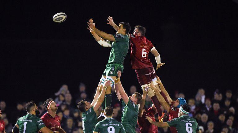 Quinn Roux wins possession for Connacht