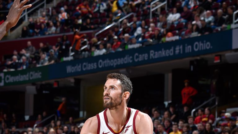 Kevin Love back in action for Cleveland against Phoenix