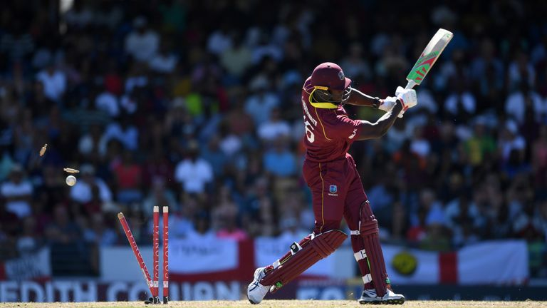 fc410871f7e32 Mark Wood bowled Carlos Brathwaite in his final over