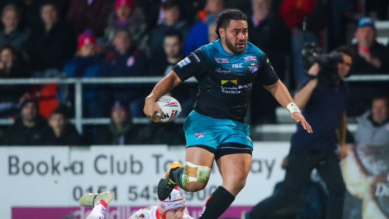 Leeds' Konrad Hurrell makes a break during the game with St Helens