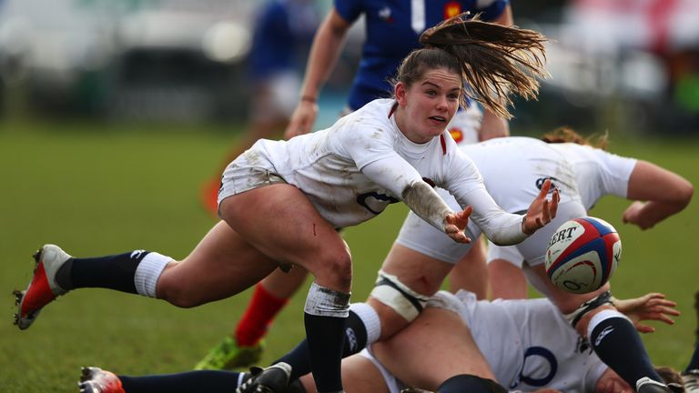 Leanne Riley passes the ball against France