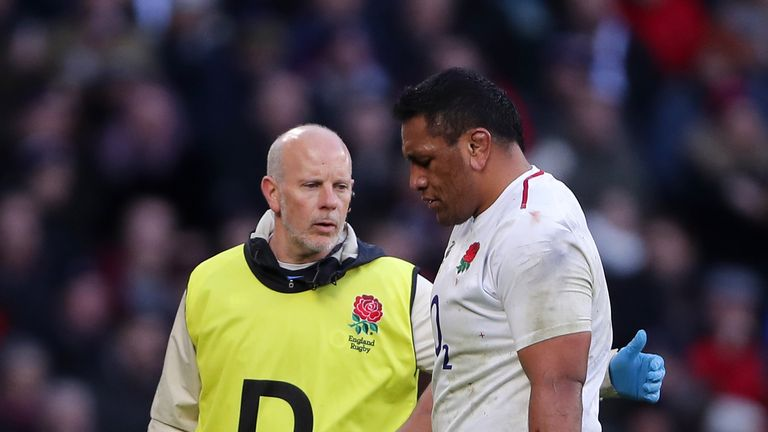 Mako Vunipola left the pitch injured against France