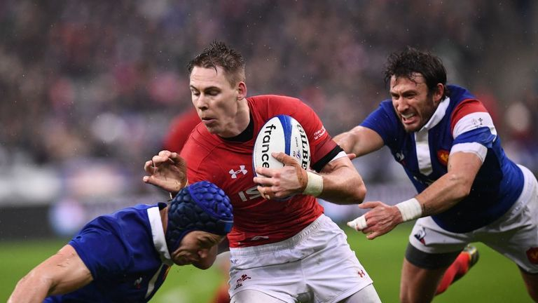 Liam Williams takes on the French defence