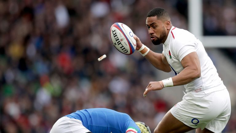 Joe Cokanasiga toyed with the Italian defence throughout