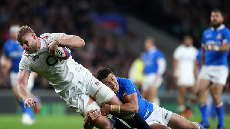 George Kruis goes over for his try