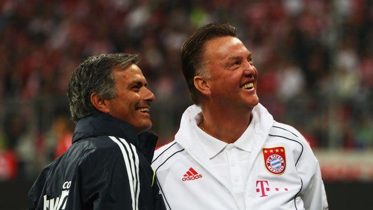 范加尔和穆里尼奥在巴塞罗那一起工作,然后通过他们的管理职业生涯多次面对对方