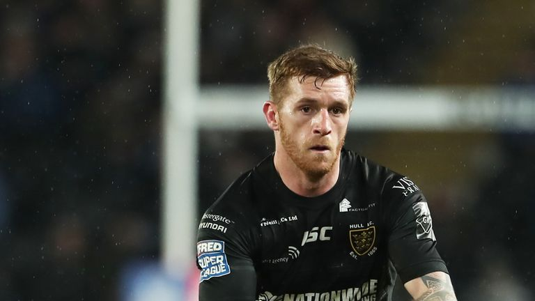 Marc Sneyd scored a try and kicked five goals as Hull beat Leeds at home