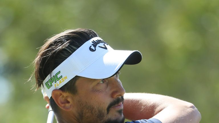 Lorenzo-Vera mixed five birdies with a sole blemish on Friday