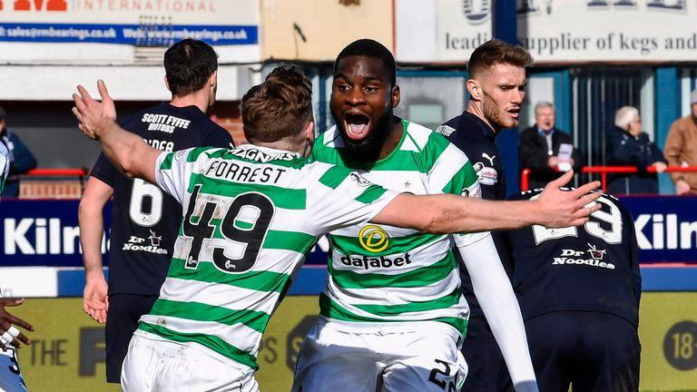 Celtic celebrate Odsonne Edouard's late winner at Dens Park