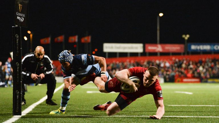Andrew Conway goes over for Munster against the Blues