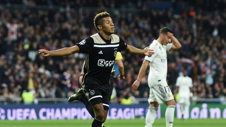 David Neres scored twice to send Ajax back to the top of the Eredivisie