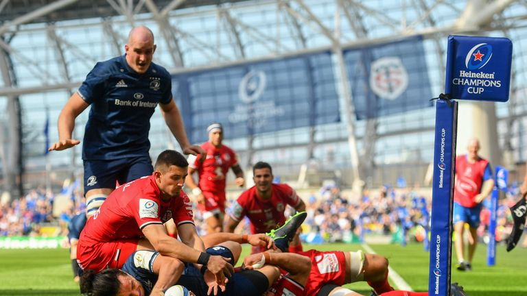 James Lowe dots down to put Leinster ahead at the Aviva Stadium