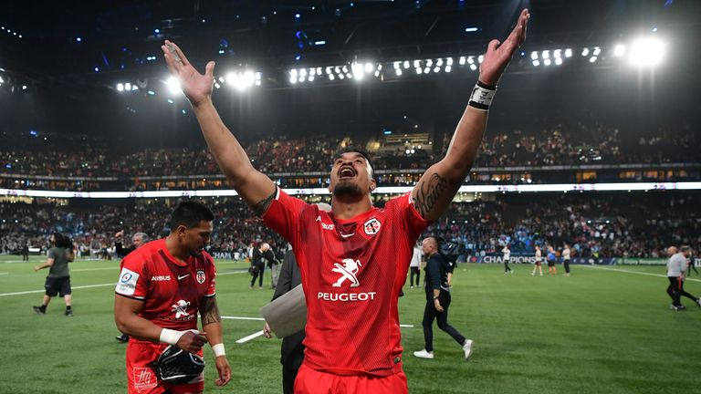 Jerome Kaino celebrates beating Racing 92