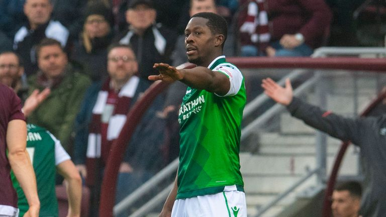 Hibernian midfielder Marvin Bartley has signed a pre-contract deal with Livingston and will join them this summer