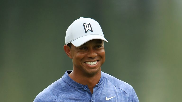 Adam Scott starts strongly, Tiger Woods stalking leaders after opening day