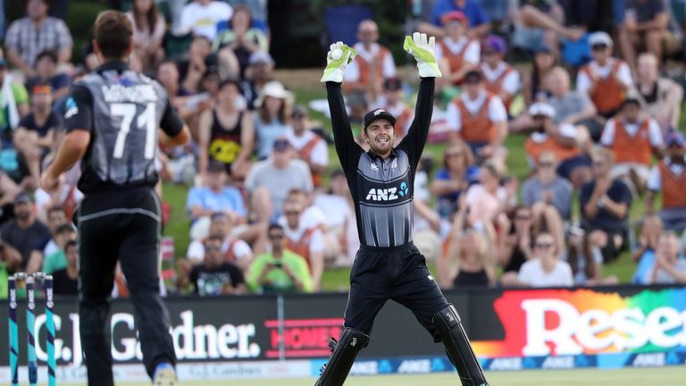 New Zealand's Tom Blundell appeals during the third T20 against Pakistan in 2018