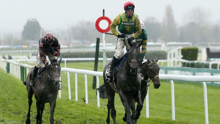 Supasundae - defends Punchestown crown
