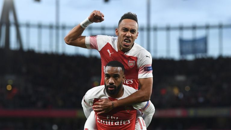 Arsenal 3 - 1 Valencia - Match Report & Highlights