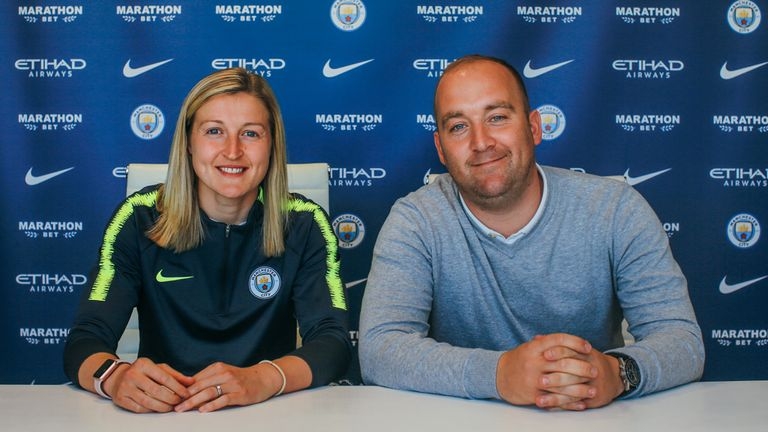 Free agent Ellen White signed a two-year deal with Manchester City