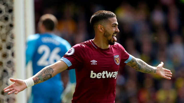 Manuel Lanzini is hoping to agree terms to extend his stay at West Ham