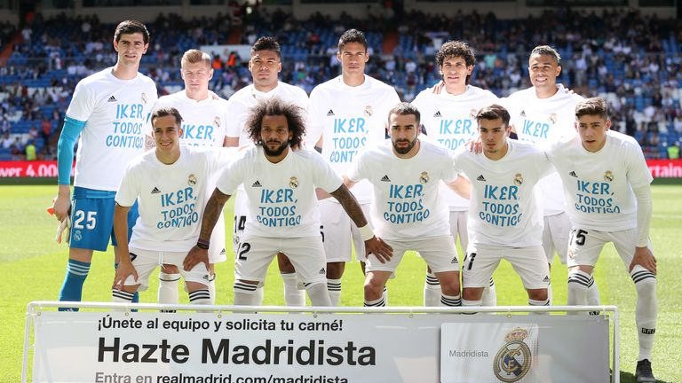 Real Madrid players show their support for Iker Casillas