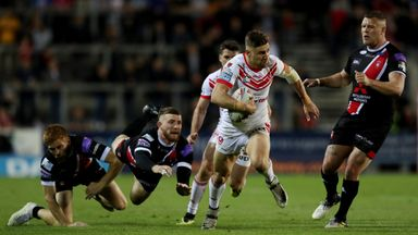Tommy Makinson scored a hat-trick as St Helens cruised to victory over Huddersfield
