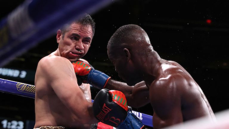 Periban could not hold off Buatsi in the fourth round