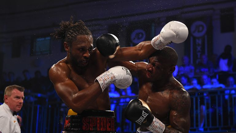 Richards grew into the fight before turning the heat up late on