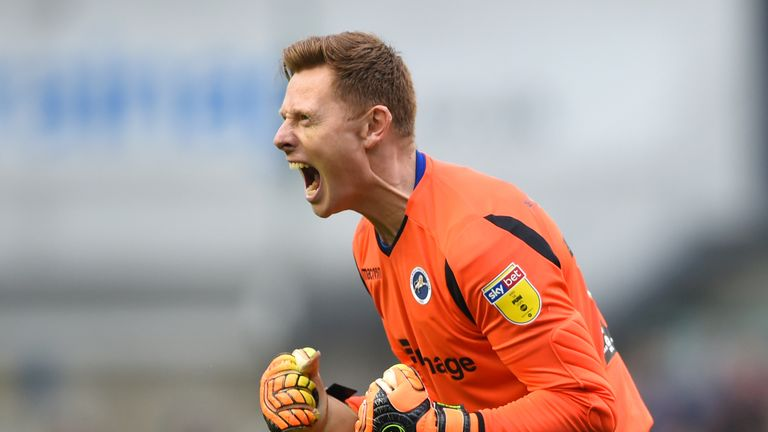 Goalkeeper David Martin to join West Ham on two-year deal