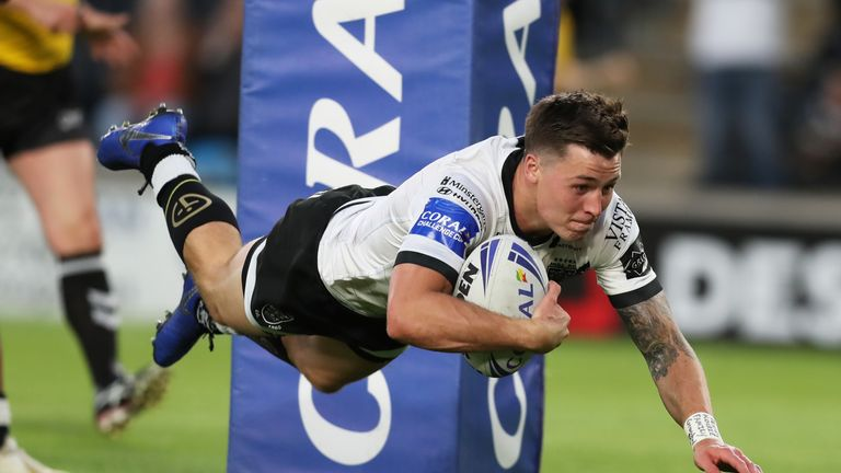 Jamie Shaul dives over for his try in Hull FC's Challenge Cup win over holder Catalans Dragons