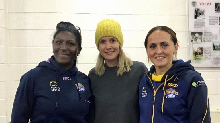 Carter (R) will see her side play their first Vitality Netball Superleague game in the early part of 2021