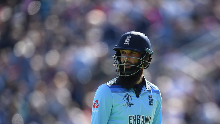 Moeen Ali frustrated with the bat as he fell for 16 a ball after smashing six