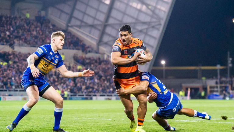 Peter Mata'utia landed the game-clinching drop-goal for Castleford