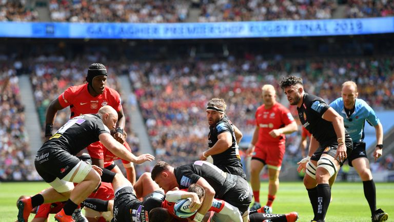 Ben Spencer reaches out to score as Saracens made full advantage of Henry Slade being in the sin-bin