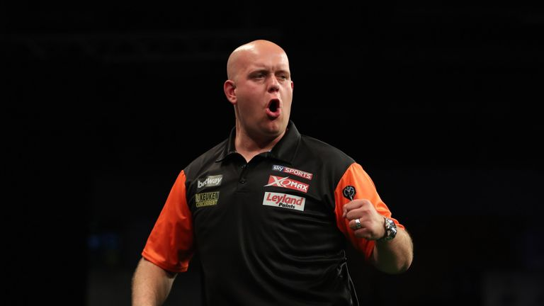 Michael van Gerwen may have had a new partner, but it was plain sailing for the Netherlands at the World Cup of Darts