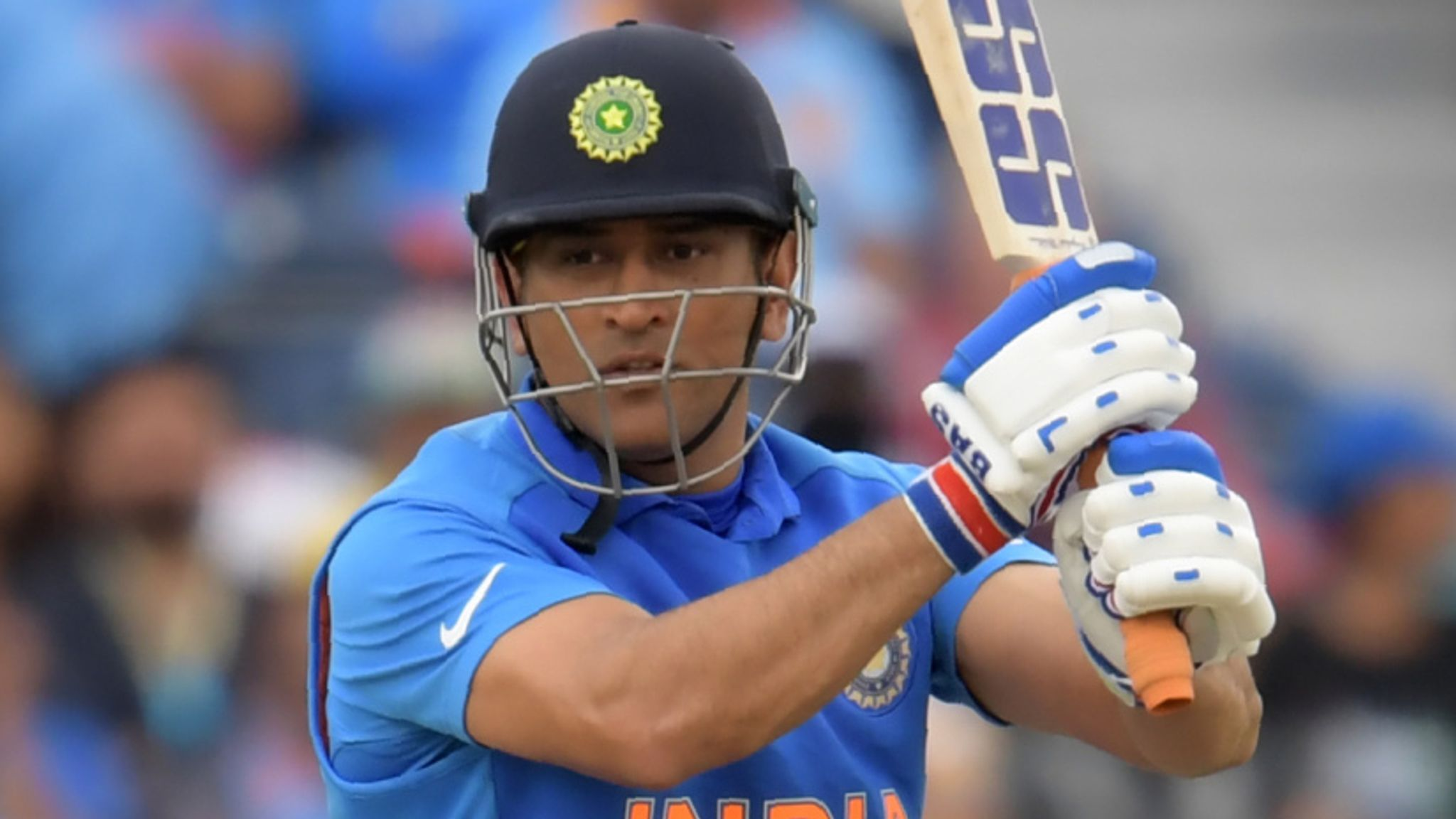 MS Dhoni's India career in doubt after losing central contract