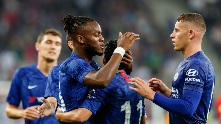 Michy Batshuayi scored Chelsea's fifth