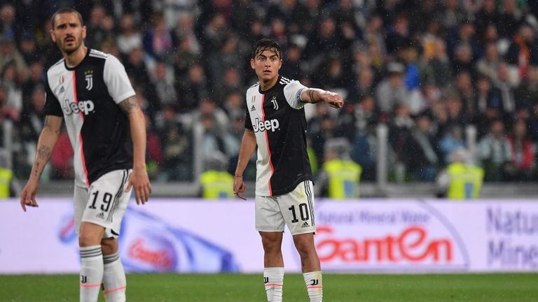 Paul Dybala's agent has travelled to London for talks with Manchester United
