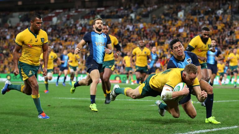 Christian Lealiifano returns to help guide Australia to victory over Argentina