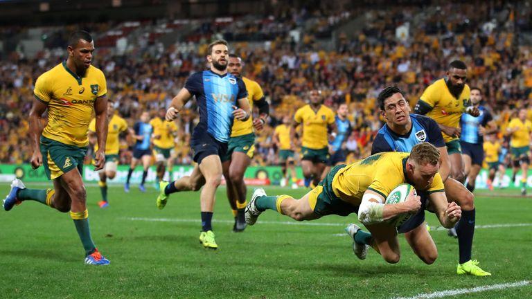 Australia hold on to beat Argentina in Brisbane
