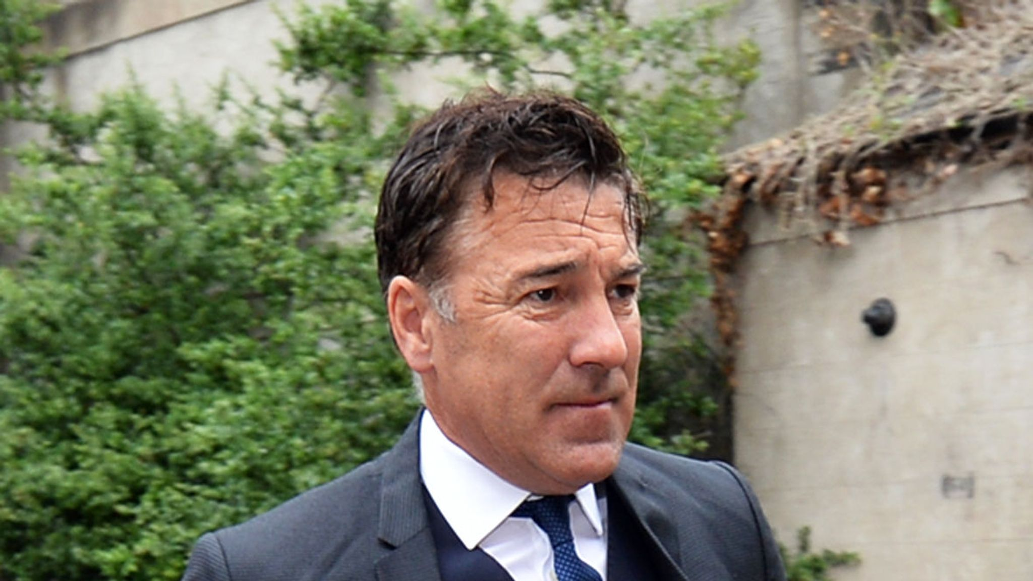 Dean Saunders wins appeal against jail sentence for failing to take breath test