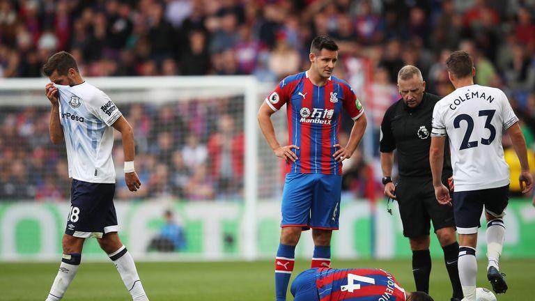 Morgan Schneiderlin was sent off as Everton drew 0-0 at Crystal Palace