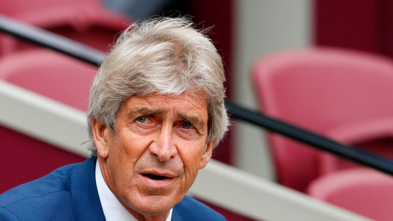 Manuel Pellegrini believes his side made too many mistakes against Manchester City