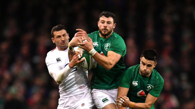Manu masterclass helps England to big win over Ireland